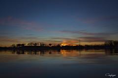 Felices fiestas amig@s!!!! (cienfuegos84) Tags: amanecer sunrise sol sun agua water paisaje landcape