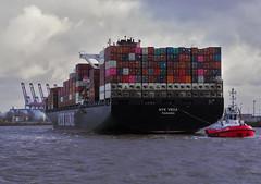 PC300237 (Valmaran) Tags: hamburg boat cargo cotainer elbe
