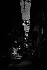 ✪大阪鶴橋の商店街 (haguronogoinkyo) Tags: nikon d610 japan osaka 大阪 鶴橋 商店街 アーケード 白黒