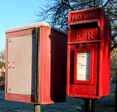Churchill Avenue Carron Co Lamp letter box and Jana pouch box CO9 2BA (kitmasterbloke) Tags: cold frost icecrystals winter essex nature plants pattern geometric symmetry ground landscape outdoor uk morning temperature sunlight sunny