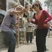 El 1 de noviembre se celebra el Día de Todos los Santos en los países de herencia cristiana. Concretamente en Perú, se encuentra el cementerio 'Nueva Esperanza' de Villa María del Triunfo, el más grande de Latinoamérica y el segundo más grande del mundo. Cada año, más de un millón de personas acuden para recordar a sus seres queridos en dicha festividad y acompañan a sus difuntos con orquestas, comida, flores, cervezas y mucho baile. Cada uno de estos detalles van acorde a los gustos del fallecido y su familia, que deja de lado la tristeza y convierte el día en una fiesta en memoria de aquéllos que ya no están.