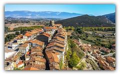 Los tejados de Frias. (jesus.de.leon1) Tags: tejados frias burgos españa paisaje pueblosdeespaña pueblos