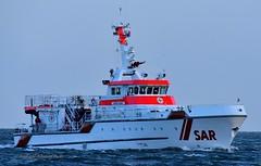 Harro Koebke (Bernhard Fuchs) Tags: boat cruiser cuxhaven dgzrs elbe kreuzer lifeboat nikon rescue sar schiffe search seenotrettung seenotrettungskreuzer ship ships vessel water boot schiff rettungsboot meer