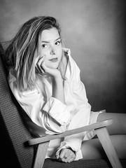 IMG_4313.1 (photo.bymau) Tags: bymau canon 5d modele shooting indoor interieur flash portrait girl