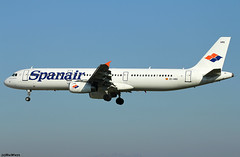 Spanair Airbus A321-231 EC-HRG / BCN (RuWe71) Tags: spanair jkjkk spain españa airbus airbusa321 a321 a321200 a321231 airbusa321200 airbusa321231 echrg msn1366 davzc placidodomingo barcelonaairport barcelonaelprat barcelonaelpratairport elpratairport elpratdellobregat aeropuertodebarcelona bcn lebl narrowbody twinjet landing fadedglory