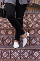 plaid blazer, white bodysuit, black distressed jeans, white mules, straw bag-11.jpg (LyddieGal) Tags: blazer weekendstyle oldnavy fashion mules target fall outfit plaid hm zara gap losangeles strawbag california style wardrobe black blackandwhite bodysuit white