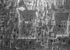 Lost (MAKER Photography) Tags: bw black white monochrome greyscale single colour color lost paper boombox wall magic city smartphone cellphone phone oneplus 3 munich germany
