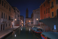 Venetian paths 125(Fondamenta Alberti e ponte dei pugni) (Maurizio Fecchio) Tags: venice venezia italy italia city cityscape nightcity lights nopeople longexposure architecture boats church bridge canal water travel tranquility reflections