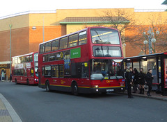 GAL PVL284 - PJ02RCU - BEXLEYHEATH CLOCK TOWER - WED 12TH DEC 2018 (Bexleybus) Tags: go ahead goahead london pvl284 pj02rcu volvo b7 plaxton president bexleyheath shopping centre clock tower kent tfl route 132