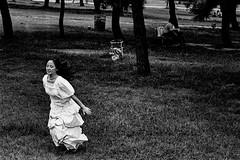 memories 709 (soyokazeojisan) Tags: japan osaka bw city park people blackandwhite monochrome analog olympus m1 om1 100mm film trix kodak memories 1970s
