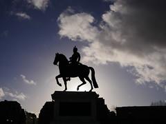 Henri IV (Calinore) Tags: paris city ville france silhouette henriiv statueequestre statue cheval
