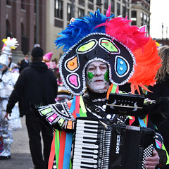 (James Mundie) Tags: mummers2019 philadelphiamummersparade mummers newyearsday philadelphia southphilly cityofbrotherlylove jamesmundie jamesgmundie profjasmundie jimmundie mundie copyright©jamesgmundieallrightsreserved copyrightprotected folktradition parade mumming costumes