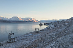 M2194009 E-M1ii 14mm iso400 f4 1_500s 0.7 (Mel Stephens) Tags: 20181019 201810 2018 q4 3x2 6x4 wide widescreen olympus mzuiko mft microfourthirds m43 714mm pro omd em1ii ii mirrorless gps svalbard spitsbergen spitzbergen coast coastal landscape structure industry industrial best scape very holiday screensaver