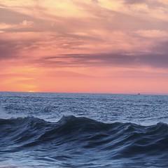 IMG_20180407_230731_758 (L'hh) Tags: rabat morocco maroc coucherdesoleil sunset 2018 wave photography