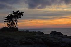Abendruhe über dem Meer - Evening silence over the sea (heinrich.hehl) Tags: landschaft bretagne küste felsen sonnenuntergang frankreich trevignon