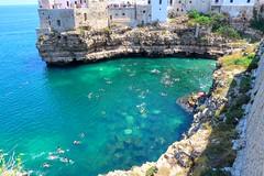 Polignano A Mare (bobgarage) Tags: polignano sea mare italia italy apulia blusea blusky summer