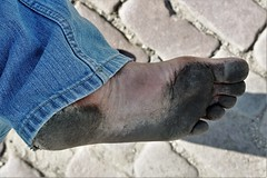 dirty city feet 062 (dirtyfeet6811) Tags: feet foot sole barefoot dirtyfeet dirtyfoot dirtysole blacksole cotyfeet
