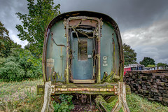 Vestiges ferroviaires. (gilles_t75) Tags: d5300 d7200 france gillest hdr nikkor1024mmf3545 nikkor1855mmf3556 nikkor55300mmf4556 nikon photomatix bracketing exposurefusion highdynamicrange photohdr tonemapping train trainsanciens vieuxtrains oldtrains rail wagon locomotive gare chemindeferdelavalléedeleure 27120 pacysureure cfve eure normandie