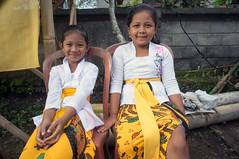 kids (kuuan) Tags: manualfocus mf voigtländer15mm cvf4515mm 15mm bali indonesia sonynex5n festival temple kids girls smile