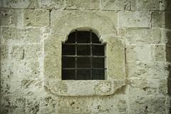 Puglia 2016-67 (walter5390) Tags: puglia apulia italia italy south sud meridione meridionale polignano mare window bricks white stone pietra bianca architettura architecture