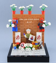 Excelsior😭 (Alex THELEGOFAN) Tags: lego legography minifigure minifigures minifig minifigurine minifigs minifigurines marvel super heroes spider spiderman tribute stan lee cameo moc vignette wall