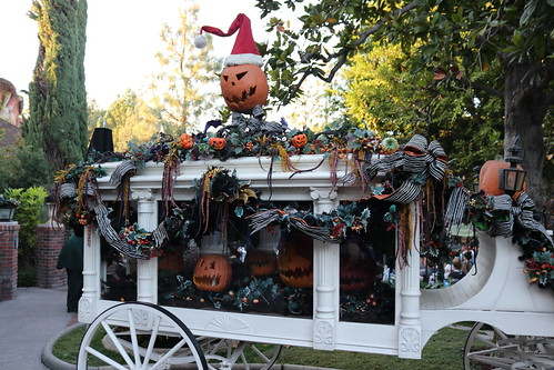 "Haunted Mansion Holiday • <a style=""font-size:0.8em;"" href=""http://www.flickr.com/photos/28558260@N04/31103417567/"" target=""_blank"">View on Flickr</a>"