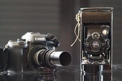 """Petit """"Skopar"""" / Voigtländer Anastigmat  Skopar    1:4.5   F  = 8.3cm (Left)Right : Kodak Anastigmat 63mm C Mount Lens for comparison. (情事針寸II) Tags: stilllife voigtländersuperdynarex14135 bokeh foldingcamera oldlens voigtländeranastigmatskopar145f83cm"""