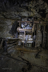 s_IMG_4555 kopiera (mephoto-se) Tags: mine mining mininghistory history abandoned forgotten deep downunder underground iron oldmine old decay decaying under tunnel miningindustry rail rails darkness dark lightpainting nightphoto