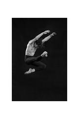 Dancer (Lorenzo Gatto Fotografia) Tags: lorenzogattophotographer lorenzogattofotografia lorenzogatto danza danzaclassica ballerino dancer shooting setfotografico bn biancoenero robertocalabrese stagecentrodanza