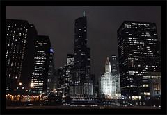 Last night at Chicago (Jean-Louis DUMAS) Tags: urbanisation urbanisme urban town darkness dark bightt nuit artchitecte architecture architect river rivière nightshot tour building immeuble chicago ville