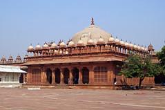2018-10-26 0609 Indien, Fatehpur Sikri, Jama Masjid-Moschee, Islam-Khan-Mausoleum (Joachim_Hofmann) Tags: indien uttarpradesh fatehpursikri moschee jamamasjid nawabislamkhanchishti islamkhanmausoleum