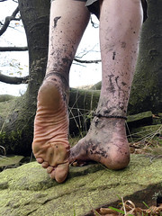 Autumn sole (Barefoot Adventurer) Tags: barefoot barefooting barefooter barefoothiking barefeet barefooted baresoles barfuss autumnbarefooting arches anklet autumnsoles ankles toughsoles connected callousedsoles wrinkledsoles walking moorland muddysoles muddyfeet wetmud strongfeet stainedsoles earthsoles earthing earthstainedsoles earth toes tough ruggedsoles roughsoles healthyfeet happyfeet heelcracks