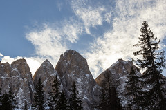 Odle e cielo (cesco.pb) Tags: valdifunes odle dolomiten dolomiti dolomites alps alpi altoadige sudtirol italia italy canon canoneos60d tamronsp1750mmf28xrdiiivcld montagna mountains malgazannes