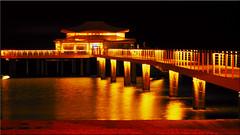 The pier in Timmendorfer Strand / Baltic Sea at night (Ostseetroll) Tags: deu deutschland geo:lat=5399489150 geo:lon=1079250542 geotagged lübeckerbucht schleswigholstein timmendorferstrand seebrücke ostsee nachtaufnahme spiegelungen pier balticsea nightshot reflections olympus em5markii