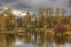 Autumn in Victory Park overlooking the house with a spire in the style of Stalinist Neoclassicism (HDR 2 shots) (Dmitriy'Os'Ivanov) Tags: pentaxk5 pentaxda55mmf14 landscapebeauty landscape autumn beautiful colorful yellow landmark saintpetersburg russia smoothsurface пейзаж санктпетербург осень питер hdr