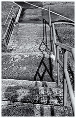 Pentax Auto 110 (1978) (Black and White Fine Art) Tags: pentaxauto1101978 pentax11024mmf28 pentaxmini pentax aristaedu100 110format formato110 smallformat formatopequeño tinywonders maravillaspequeñas bn bw sanjuan oldsanjuan viejosanjuan puertorico selfie autorretrato sombras shadows texture textura