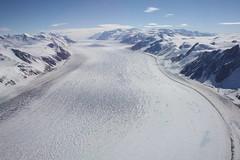 Der gewaltige Priestley Gletscher in einer kleinen Übersicht aus der Luft
