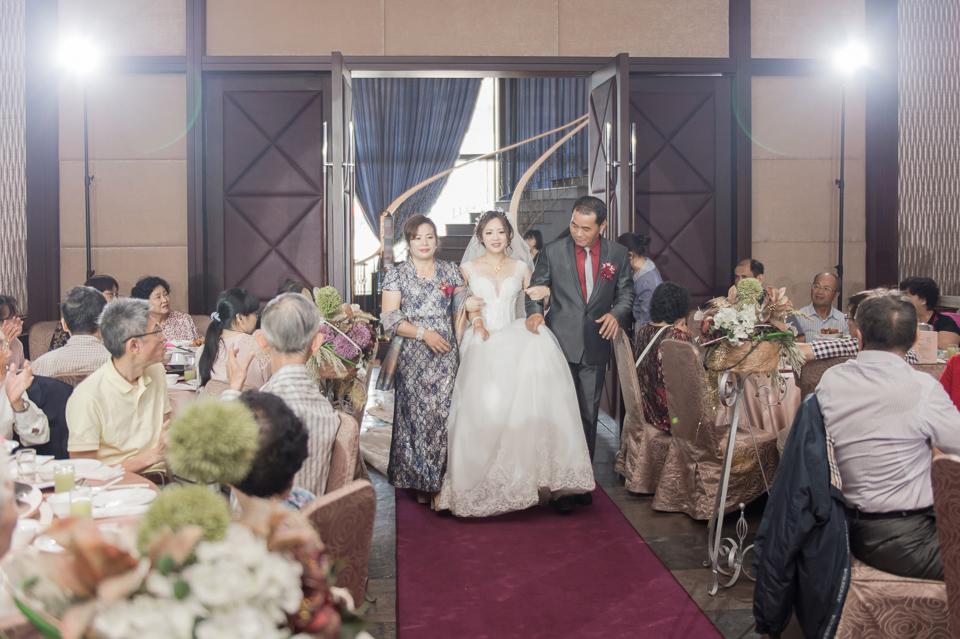 台南東東宴會式場 婚宴 走在幸福的紅毯上 R & B 108