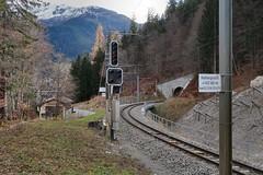 RhB Klosters Tunnel (Kecko) Tags: 2018 kecko switzerland swiss schweiz graubünden graubuenden gr klosters platz prättigau davos rhätischebahn rhaetian railway railroad bahn viafierretica rhb tunnel gleis track signal swissphoto geotagged geo:lat=46870380 geo:lon=9878350