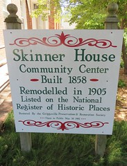 Skinner House Sign (Griggsville, Illinois) (courthouselover) Tags: illinois il pikecounty griggsville northamerica unitedstates us