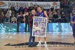 Homenaje récord partidos Urko Otegui (Foto Sara Sánchez) (3) (Baloncesto FEB) Tags: leboro palencia chocolatestrapapalencia homenaje urkootegui récord partidos