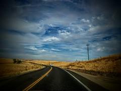 Altzo (altzo) Tags: carretera cielo nubes topf25 topf50 topf75
