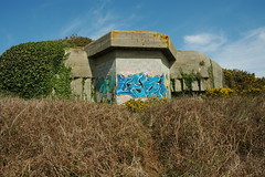 DSC_4162 (guyfogwill) Tags: guyfogwill guy fogwill france brittany bretagne finistère bunkers casemate 2012 april saintmathieu breizh plougonvelin fra