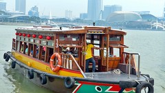 Touristenboot (Sanseira) Tags: singapur singapore asien boot schiff rundfahrt fluss