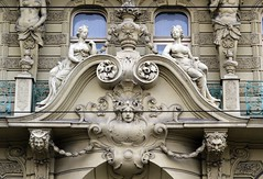Prager Fassadendetails - 19 (fotomänni) Tags: prag prague praha jugendstil fassadenfiguren skulptur skulpturen sculpture kunst art manfredweis