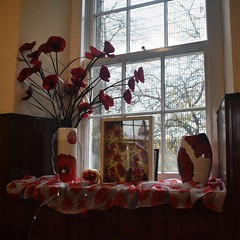 Cumbernauld Old Parish Church, Remembrance Day 2018 (luckypenguin) Tags: scotland northlanarkshire cumbernauld cumbernauldvillage remembrance remembranceday armisticeday armistice100 poppies cumbernauldoldparishchurch churchofscotland church