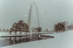 St. Louis Gateway Arch (5) (Michael Shoop) Tags: michaelshoop stlouis saintlouis missouri usa canon canon7dmarkii stlouisarch arch gatewayarch jeffersonnationalexpansionmemorial architecture winter snow