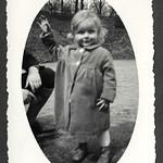 A2-336 Barfüßer Album, Haus Hainstein Familienfotos, 1920-1940 thumbnail