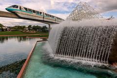 monorail / llɐɟɹǝʇɐʍ (MarcStampfli) Tags: disney epcot florida futureworld monorail nikond7500 themeparks vacationkingdom wdw waltdisneyworld
