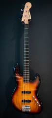 Squier Deluxe Active Jazz Bass IV String, 3 Tone Sunburst (the other Martin Taylor) Tags: bass jazzbass squier guitar
